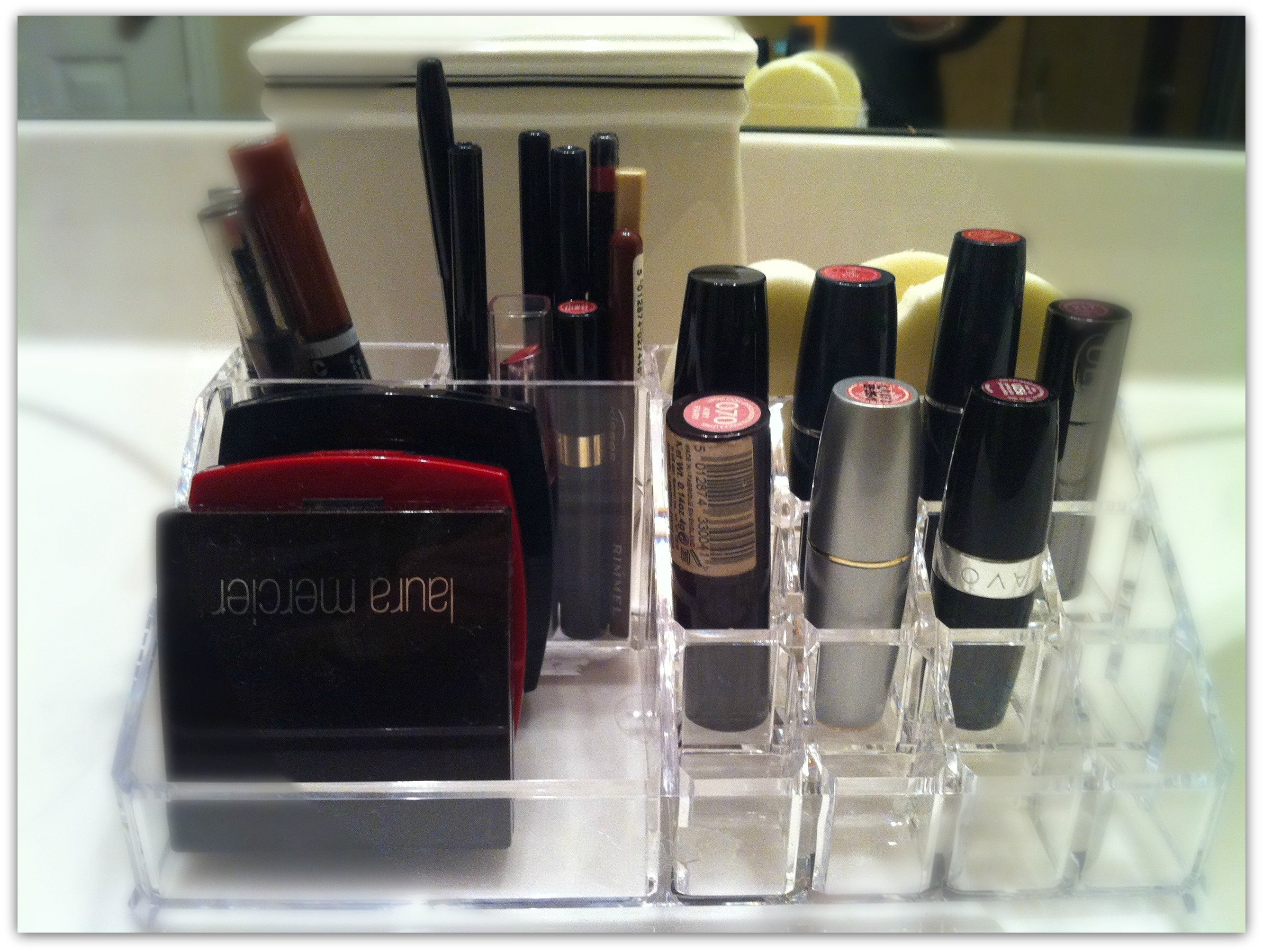 how to organize your beauty tools-lips