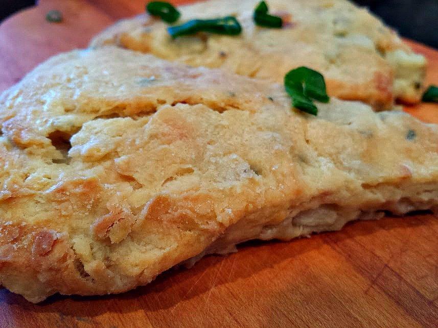prosciutto pear scones-chives