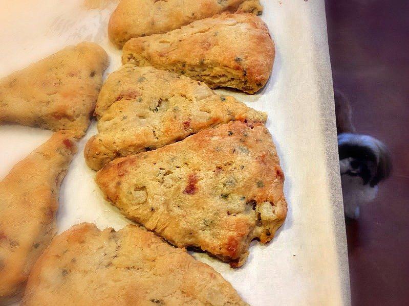 prosciutto pear scones-baking