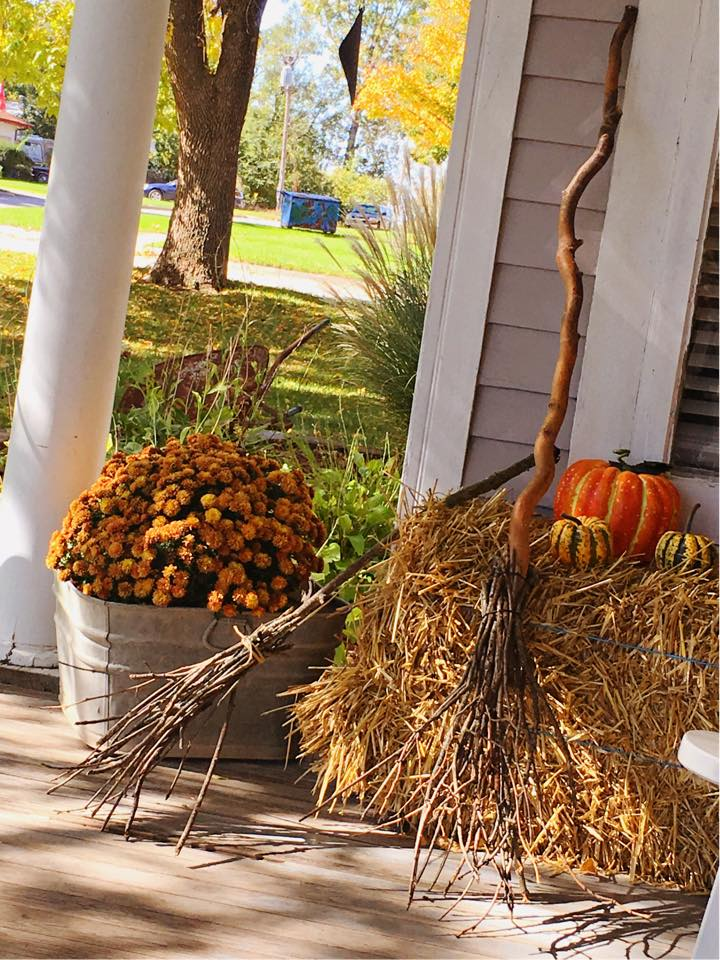 Halloween Broom DIY