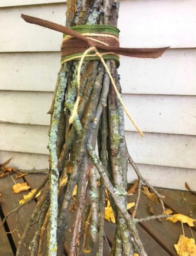Halloween Broom DIY