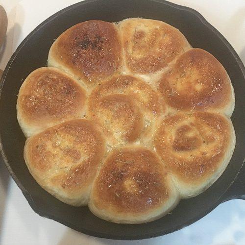 Cast Iron Delicious-ness-rolls