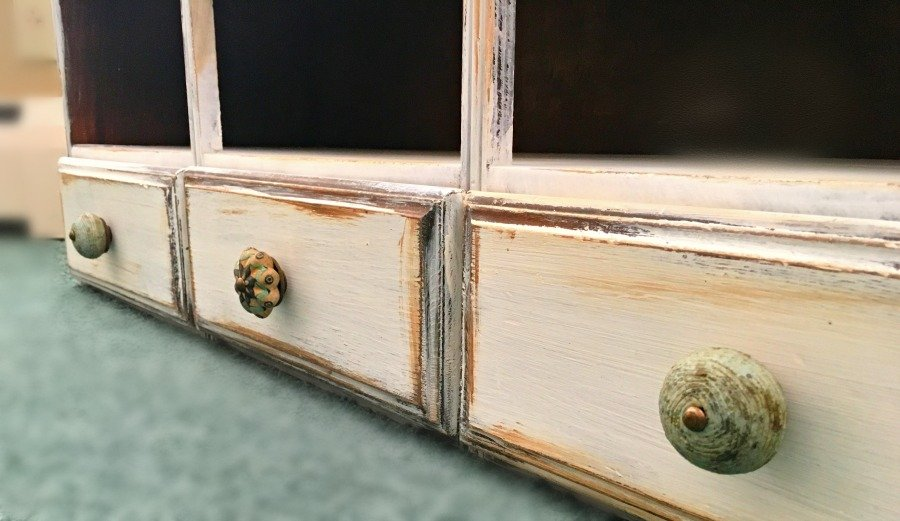 hutch makeover with bun feet-gullycreekcottage-knobs