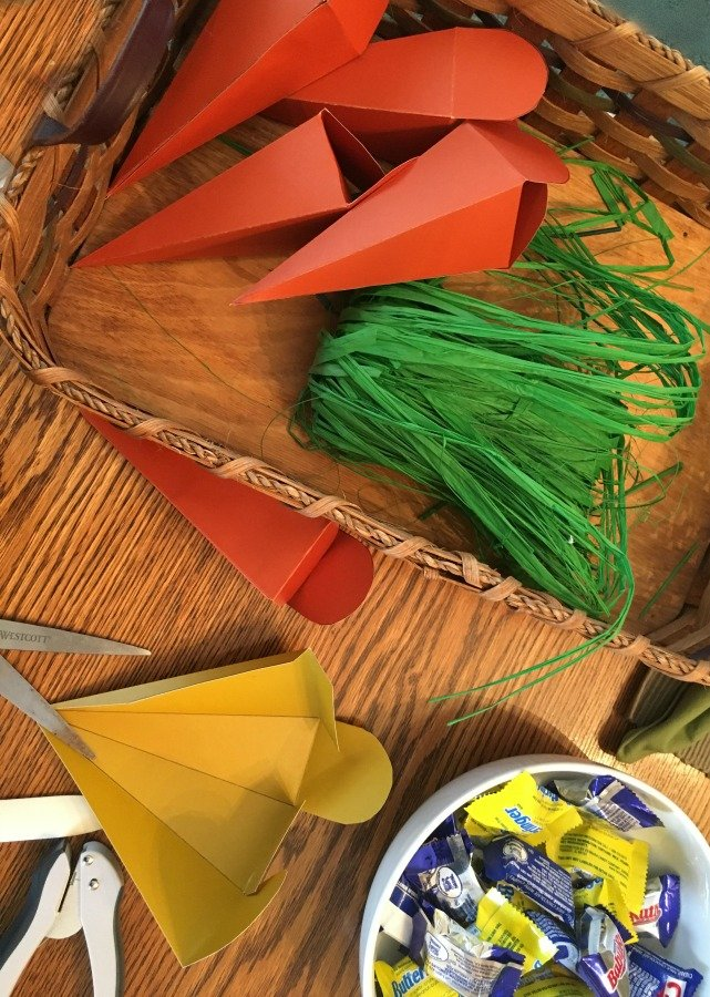 Easy Easter Craft (DIY carrot box)-gullycreekcottage-supplies