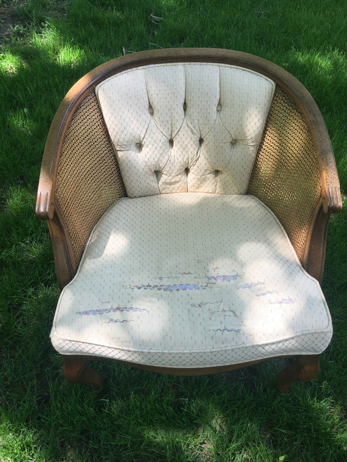 French Country Barrel Chair DIY-gullycreekcottage-diy