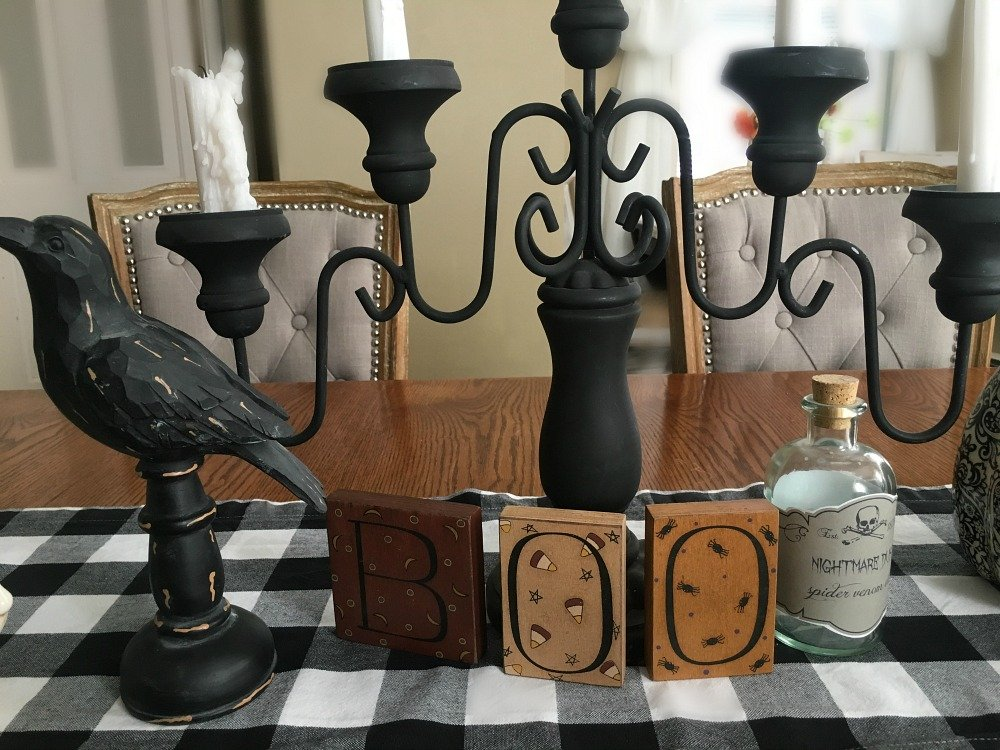 Festive Halloween table decor-gcc-table