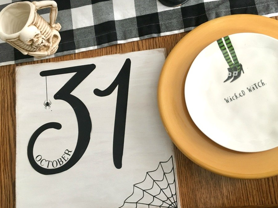 Festive Halloween table decor-gcc-october