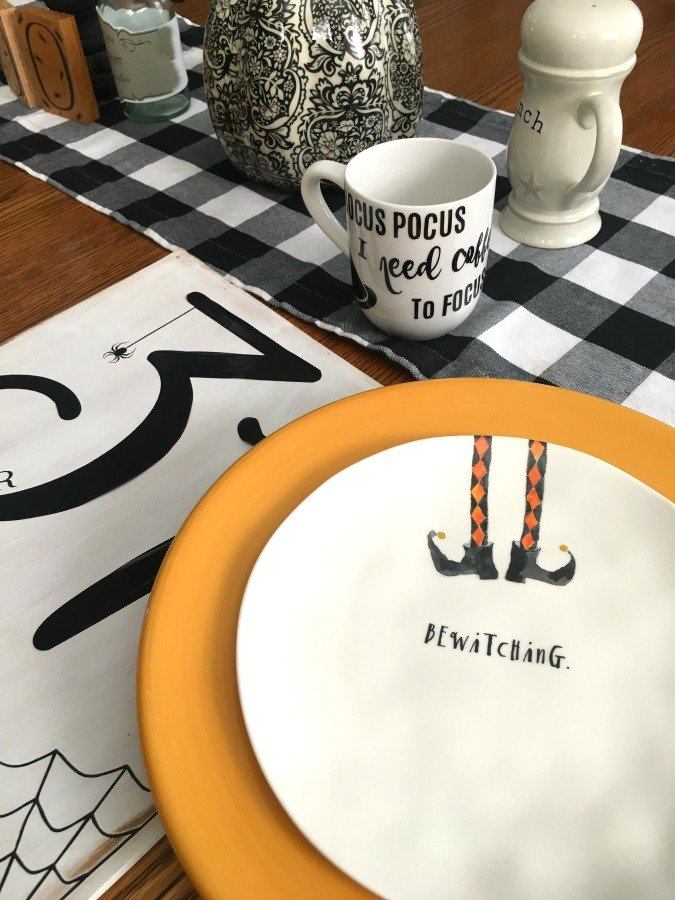 Festive Halloween table decor-gcc-plate