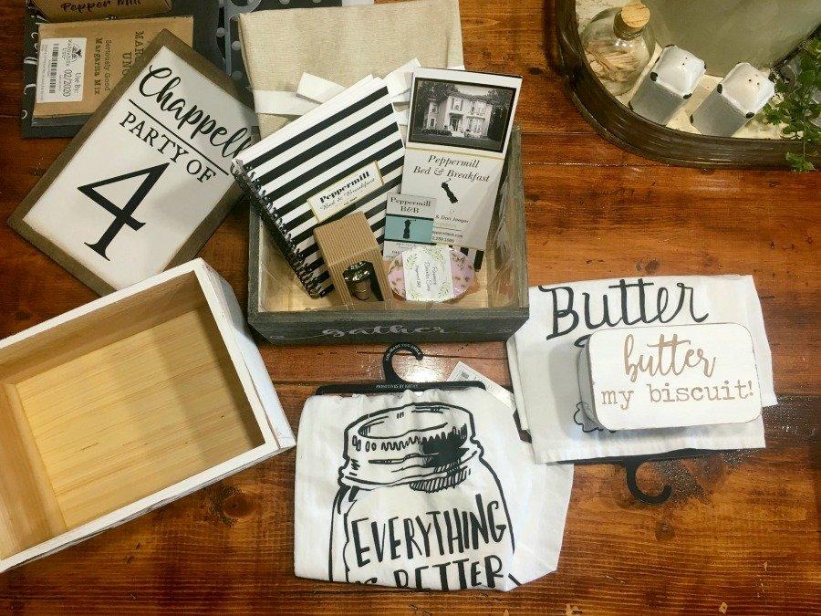 A little farmhouse box diy-gcc-prizes
