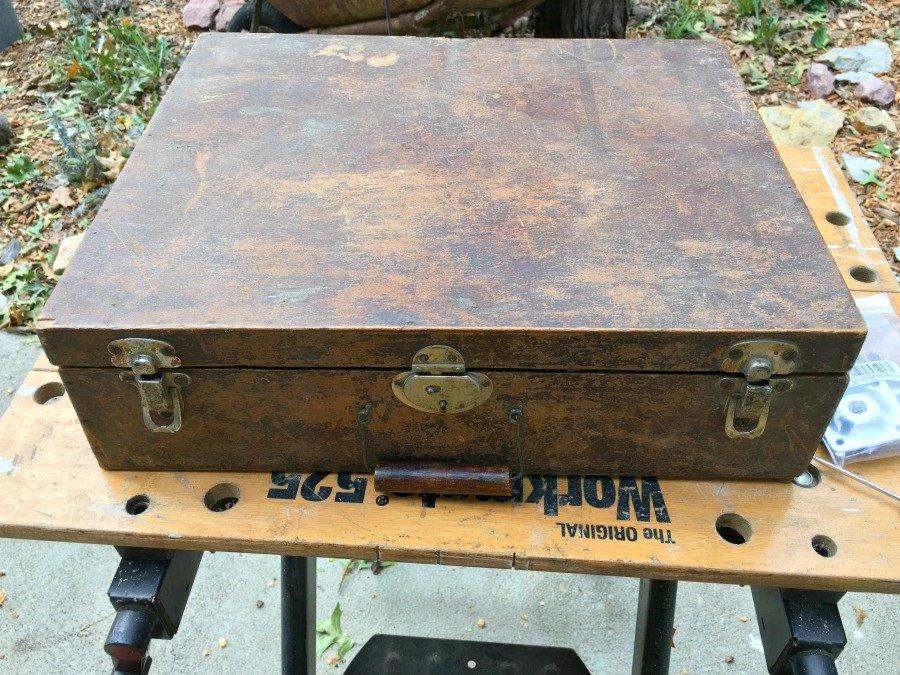 Antique suitcase gets new look-gcc-suitcase