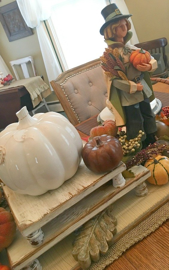 Fall flair at Gully Creek Cottage-gcc-pilgrim