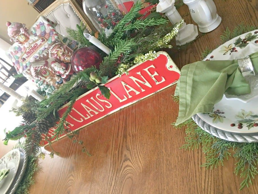 Christmas at Gully Creek Cottage-table