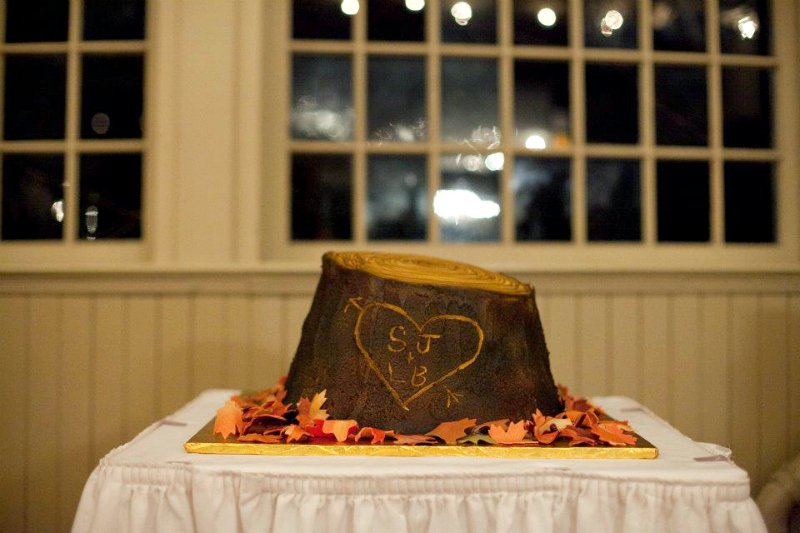wood cake stands-grooms