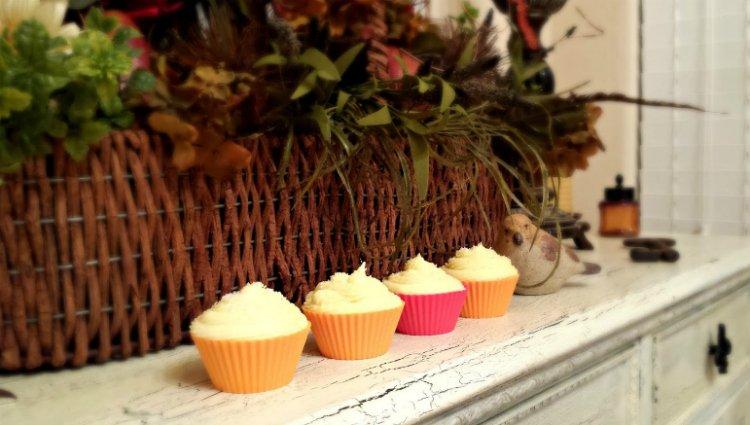 hello cupcake-treat