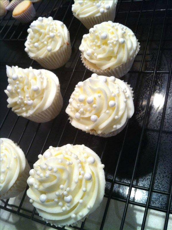 Bridal Brunch Shower-cupcakes