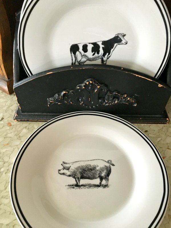 Country Farmhouse Living-dishes
