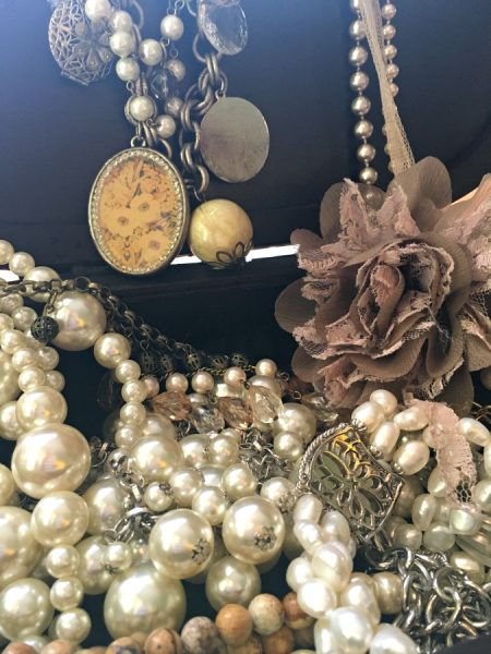 how to dress up pearls-pin