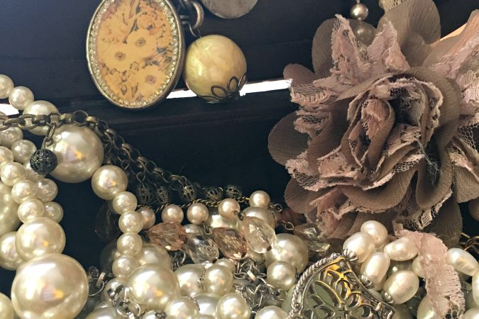 How to dress up pearls