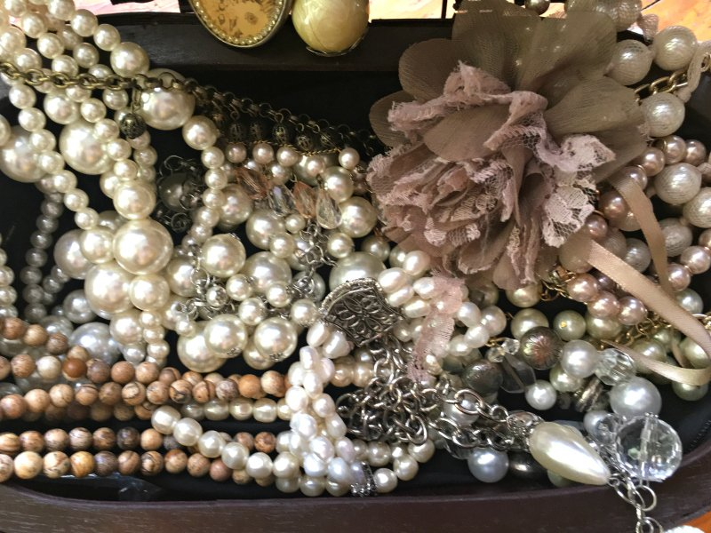 how to dress up pearls-box